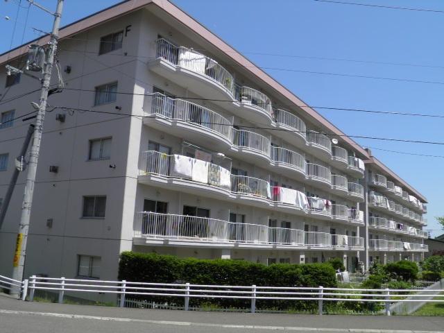 南26条ハウスE棟の外観写真