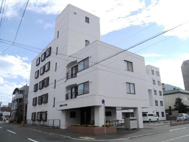 札幌ロジュマン山鼻の外観写真