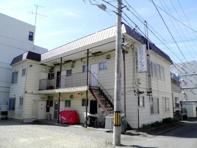 石田マンションの外観写真