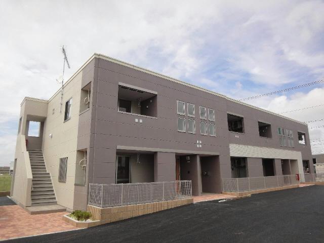 2014年7月築のバリアフリー設計のアパートです。