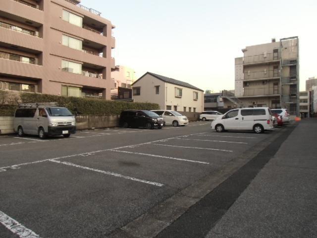 矯風会駐車場の外観写真