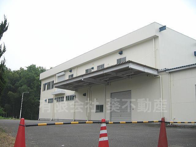 川町大型工場の外観写真