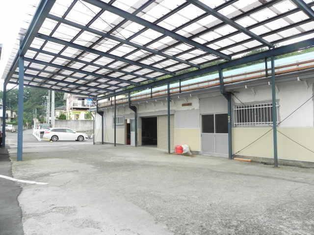 西寺方町リフォーム済み貸倉庫の外観写真