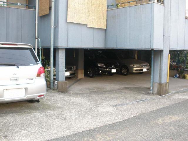 APARTMENT115(駐車場)の外観写真
