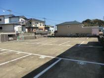 芹沢孝平駐車場の外観写真