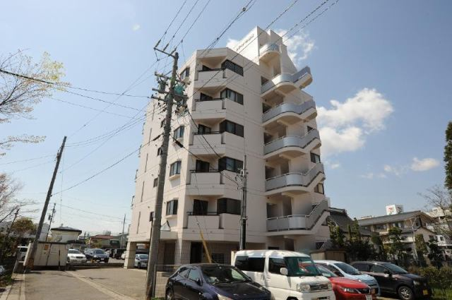 シティパル鶴賀の外観写真