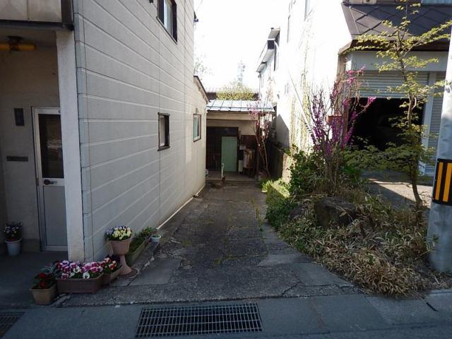 中御所岡田町 売土地の外観写真
