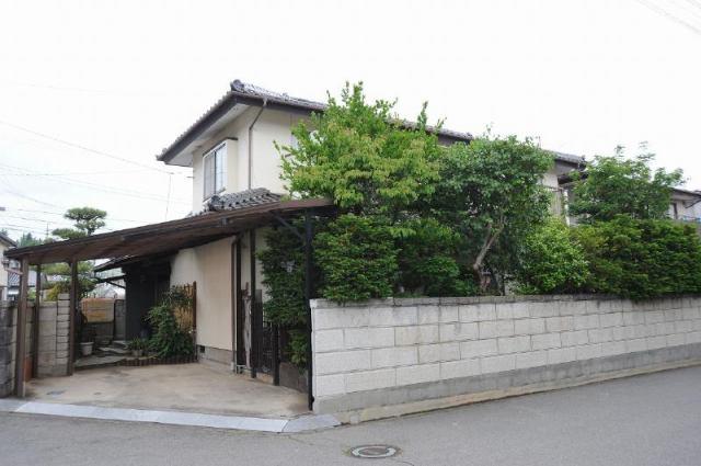 石渡 中古住宅の外観写真