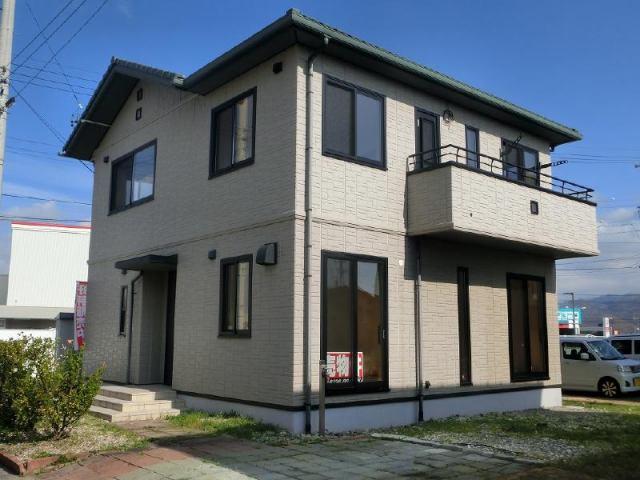 安曇野市豊科 中古住宅の外観写真
