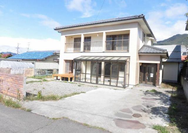 上田市上田 中古住宅の外観写真