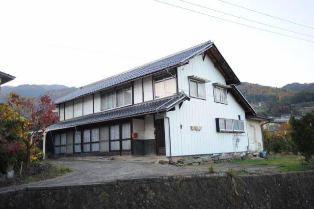 千曲市八幡 中古住宅の外観写真