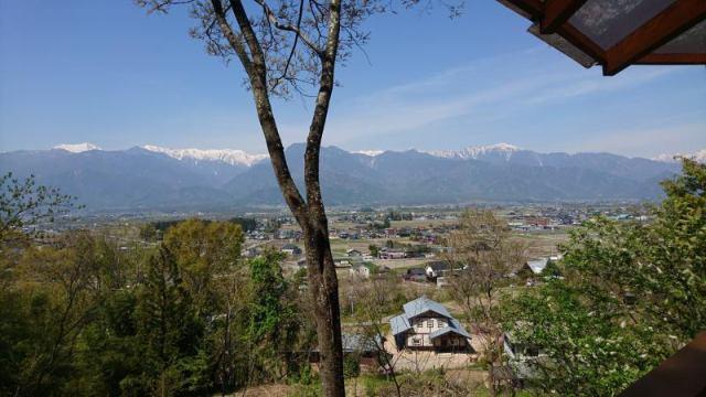 池田町会染 北アルプス一望 コテージハウスの外観写真