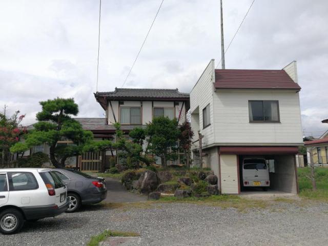 宮田町 シャッターガレージ付中古住宅の外観写真