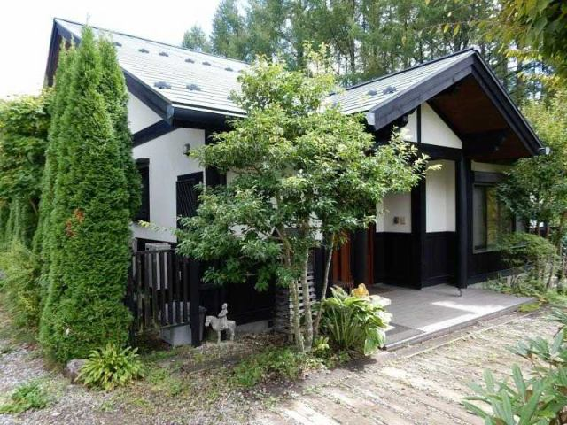 小淵沢高原 別荘住宅の外観写真