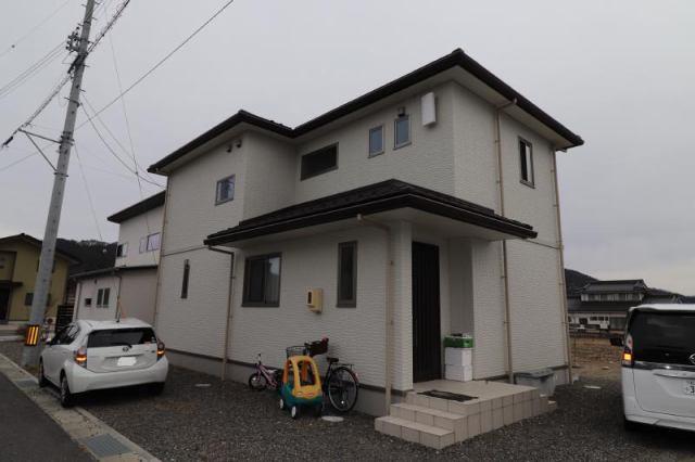 池田町会染 築浅中古住宅の外観写真