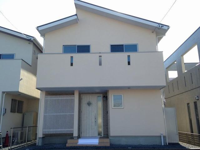 焼津市三ケ名B号棟の外観写真