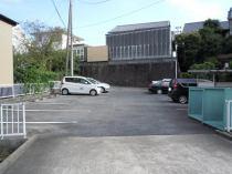 まどか駐車場