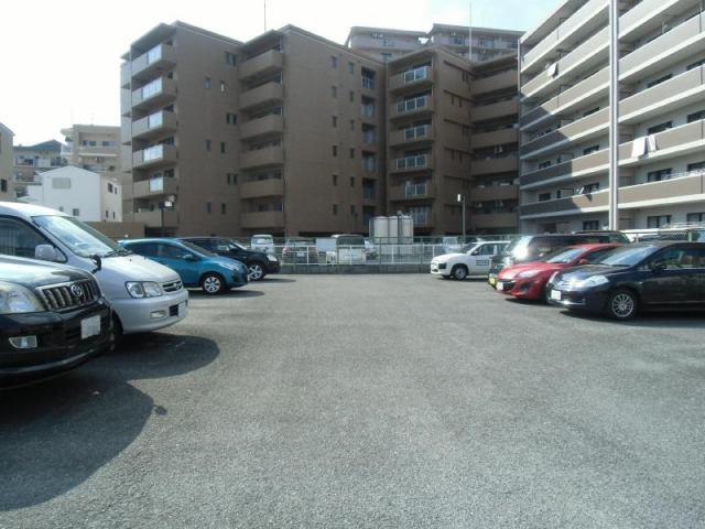 駐車台数22台の駐車場です。