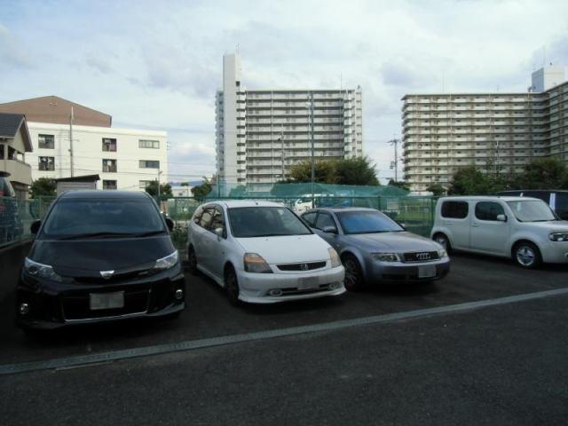 駐車台数7台の駐車場です。