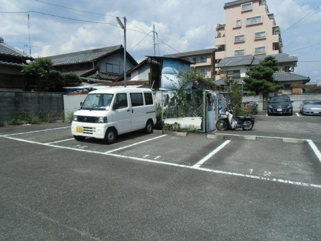 駐車台数15台の駐車場です。