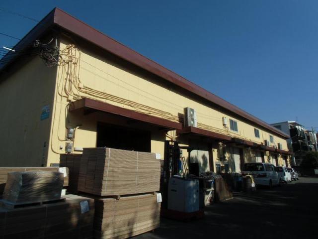 東伸倉庫の外観写真