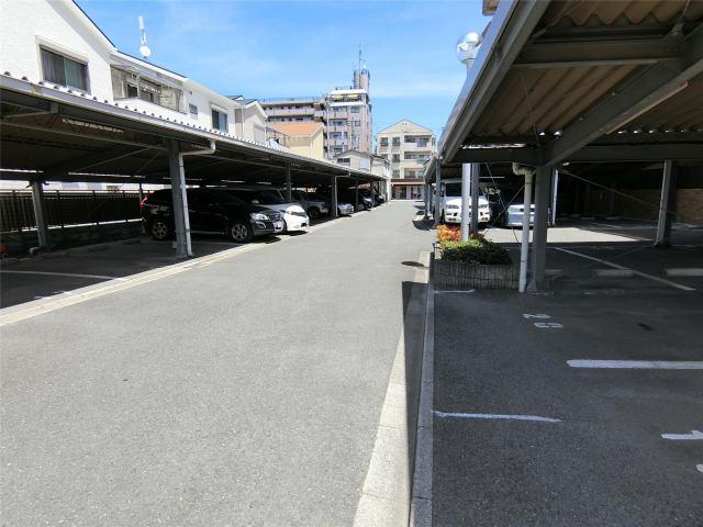 リベルテアミューザー駐車場の外観写真