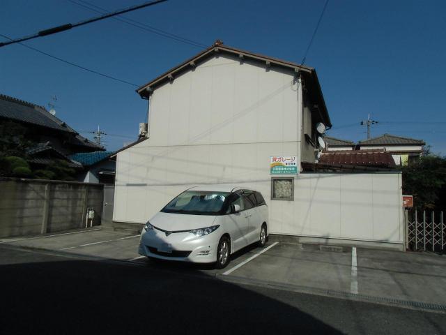 駐車台数4台ある駐車場です。