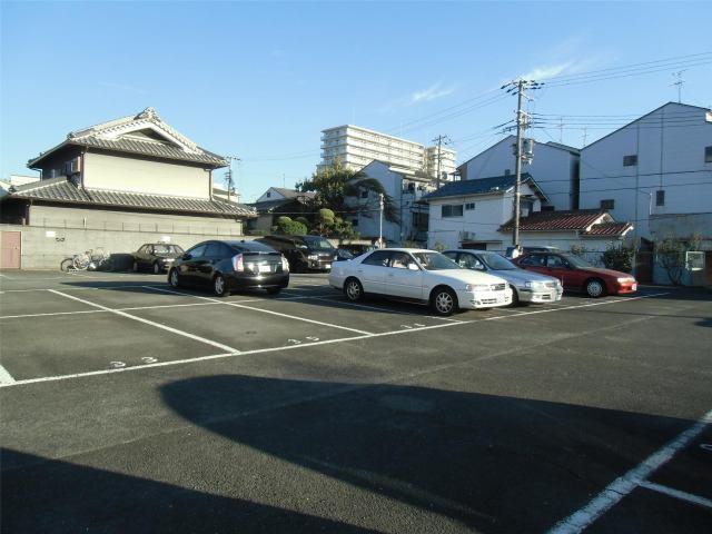 川崎ガレージの外観写真