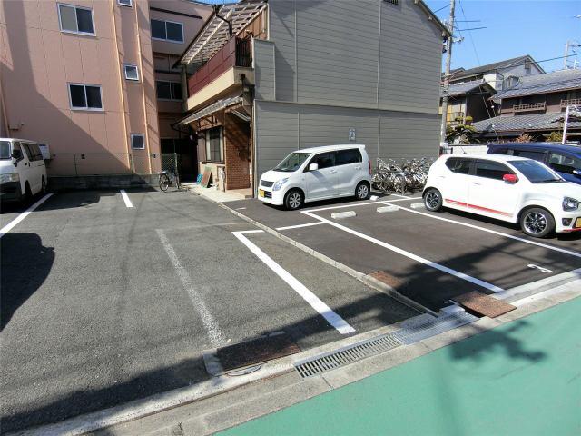 北井モータープールの外観写真