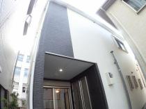 豊里5丁目新築一戸建て(駐車3台可能/屋上スカイバの外観写真