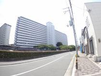 千里山田D住宅A2棟の外観写真