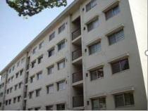 公社千里山田E団地A1棟の外観写真