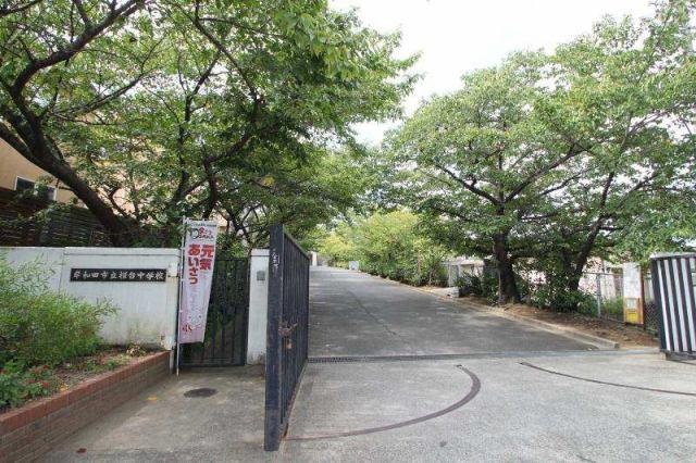 桜台中学校です、上松町現地より徒歩10分です。