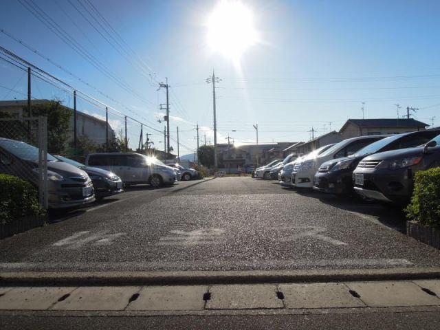 マンション池ノ上駐車場の外観写真