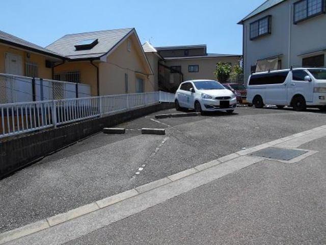 ドエル・イニシオ宝塚売布駐車場の外観写真