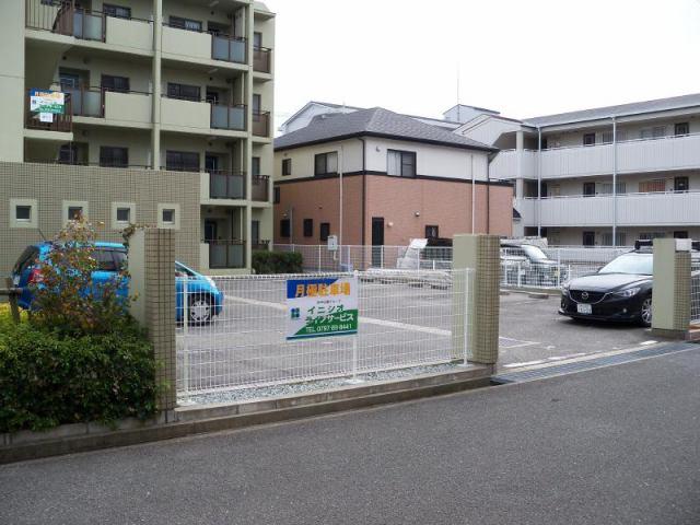 グリーンコートはるか駐車場の外観写真