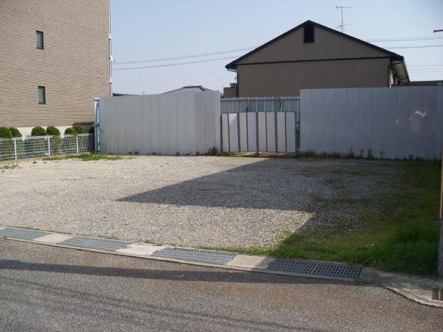 荒牧七丁目駐車場の外観写真