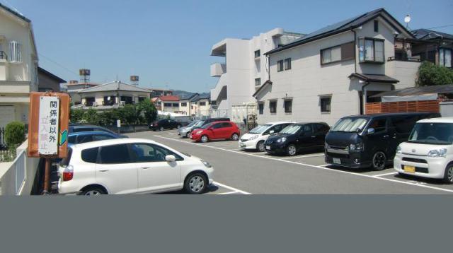 山本野里駐車場の外観写真