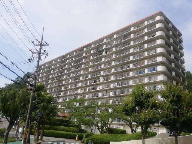 サンハイツ宝塚五月台B棟の外観写真