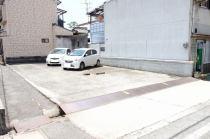本通1丁目5番月極駐車場の外観写真