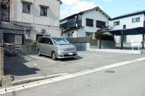 駐車し易い広い区画