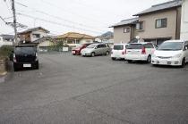 大きめの車も駐車可能です