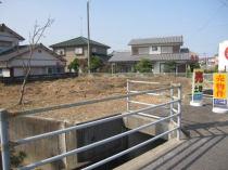 小松島市芝生町字狭間37-7の外観写真