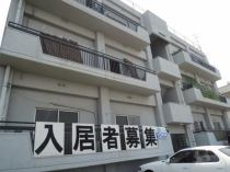 尾崎マンションの外観写真