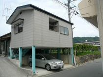 別当大塚ノブ子住宅(車庫上)の外観写真