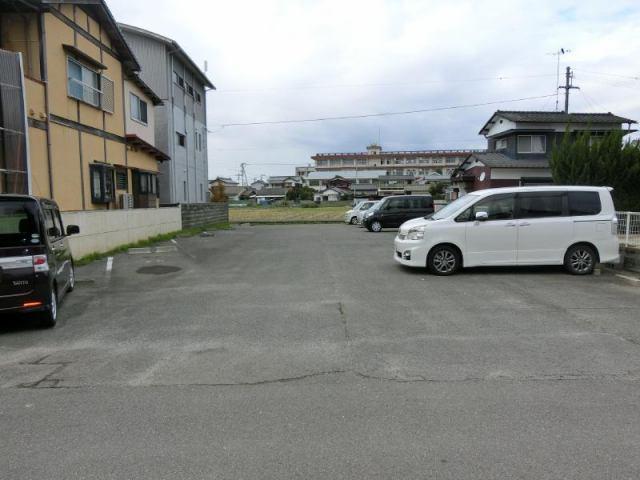 河南町2丁目駐車場の外観写真