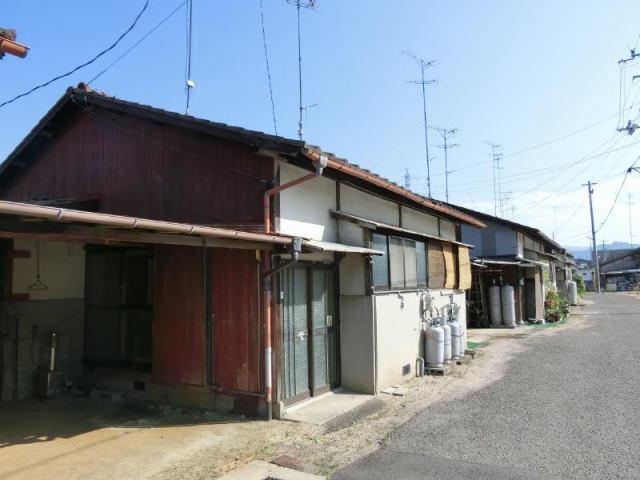 郷本町借家の外観写真