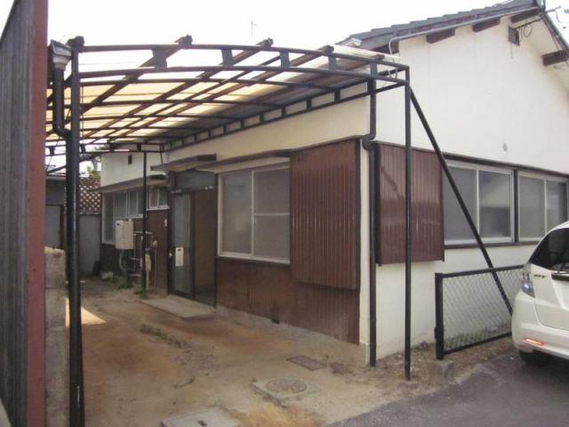 小泉西本S借家の外観写真