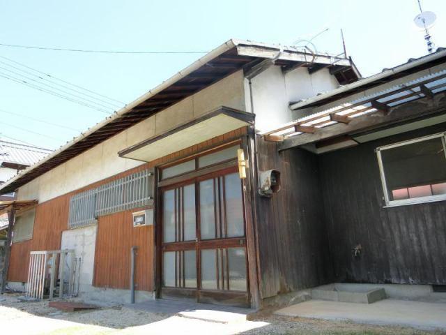 中寺冨田借家の外観写真