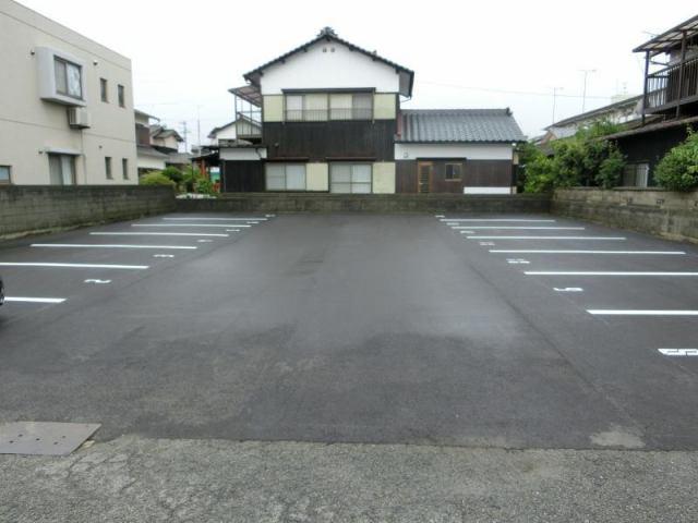 南鳥生貸駐車場の外観写真
